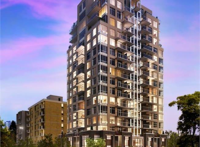 Modern Downtown 2 Bedroom Condo (17th Ave) - Calgary - Condominium