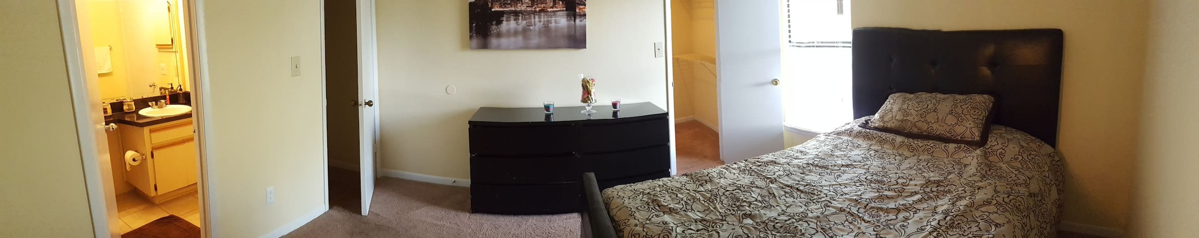 Private Bedroom with Bath near USF & BuschGardens - Tampa - Apartment