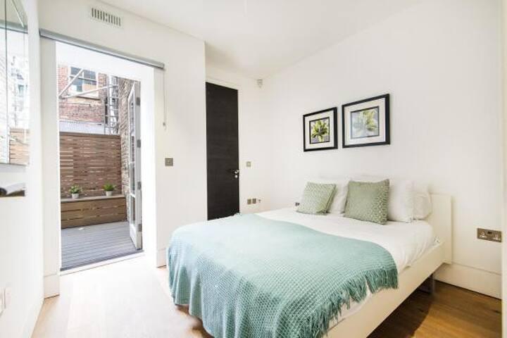 Gorgeous Central London Apartment - Sleeps 4