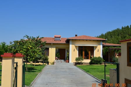 Spacious brand new villa160m2 near  forest and sea