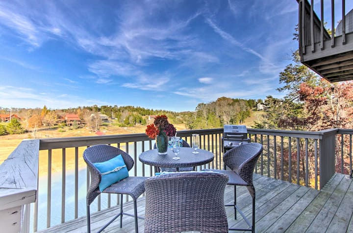 Sevierville Lake Home w/Floating Dock & Gas Grill!
