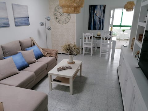 """""""Casa MARE"""",Светлый дом в 5 минутах от пляжа"""