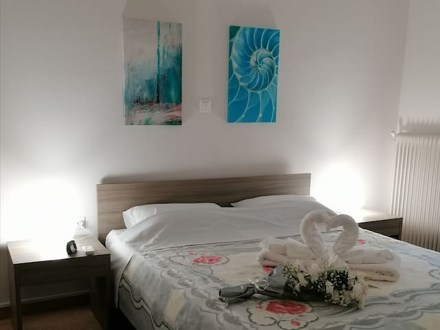Apartment 80m^2, near metro, 14 min from Acropolis