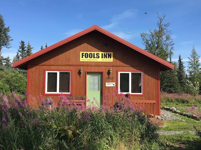 Fool's Inn Cabin Next Door To Fishing Fool Charter