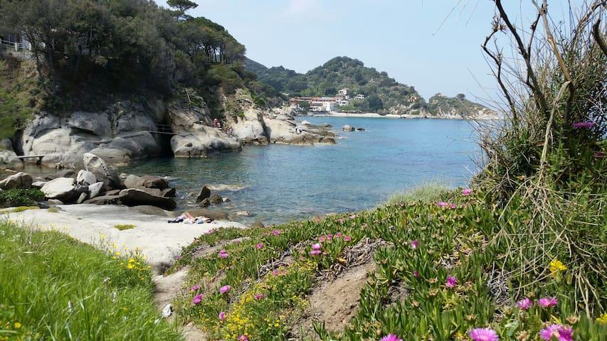 Casa vista mare, spiaggia, natura , tranquillità