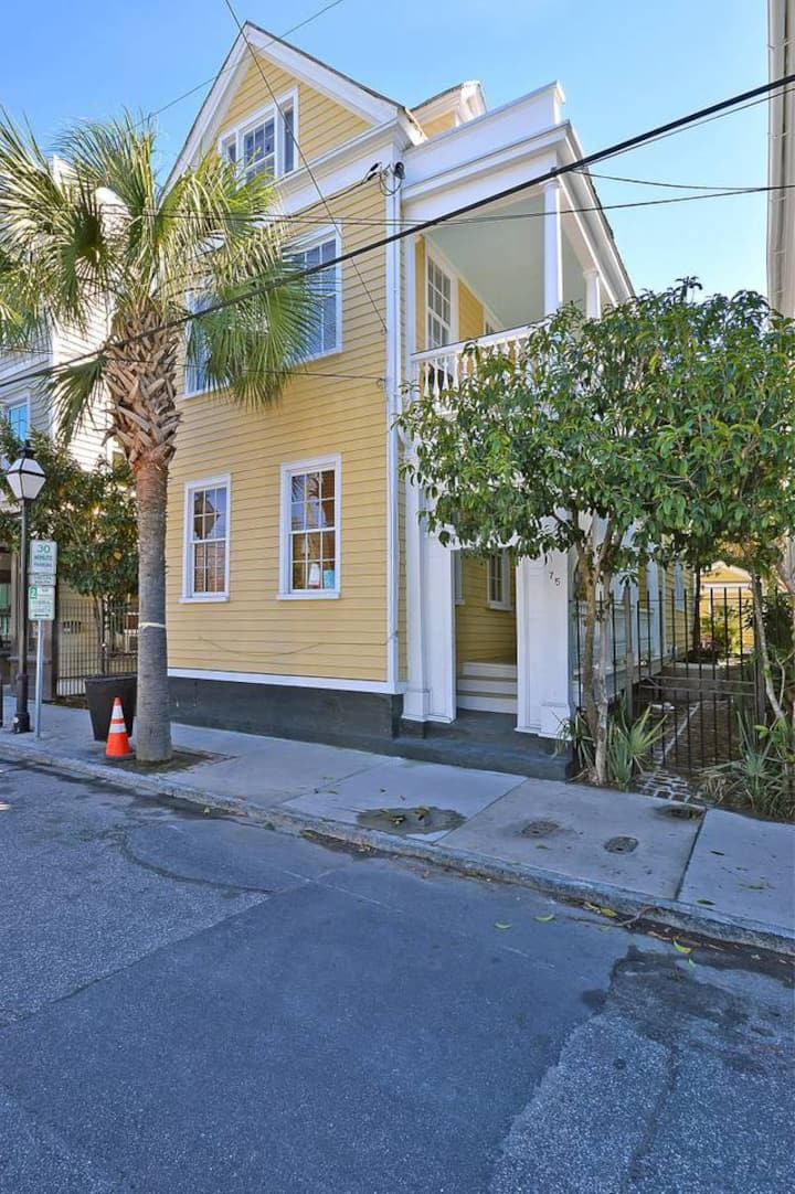 The Garden Gates (Suite B) - Only 3 Blocks from King Street!