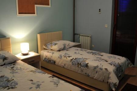 BB Arizona Deluxe Twin Room - Sarajevo - Bed & Breakfast