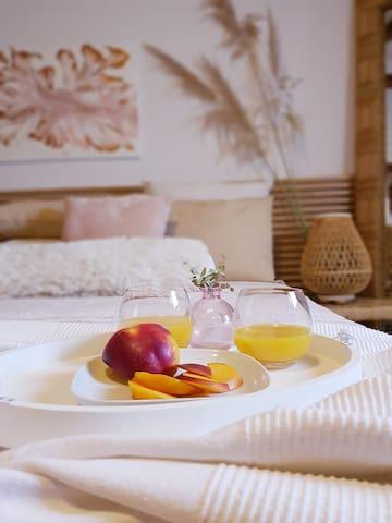Breakfast in bed-desayuno en la cama
