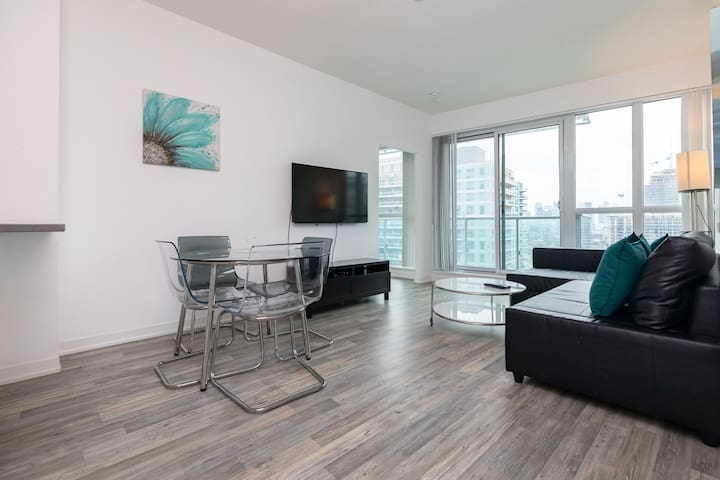 Excellent CN Tower view 2BR+2BA in Liberty Village