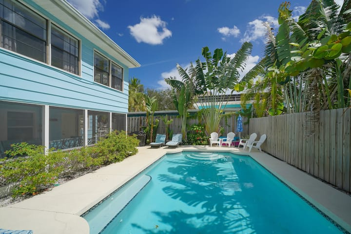Beach Cottage with heated pool