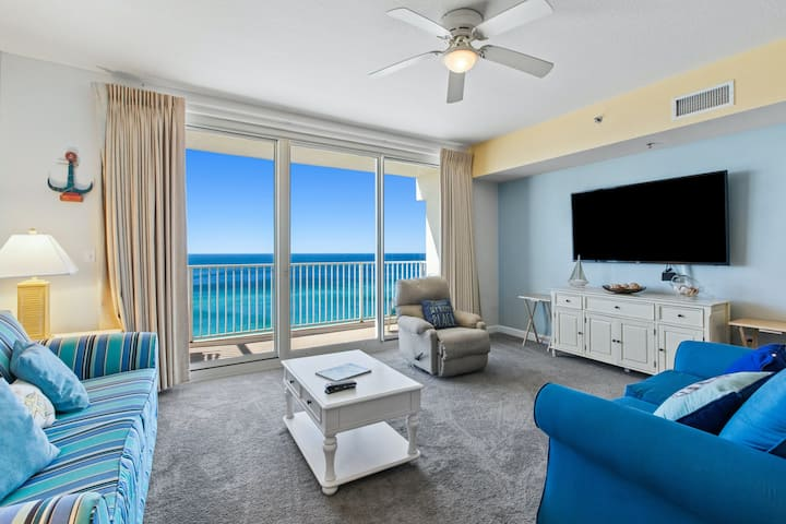 12th floor oceanfront condo with shared pools and hot tub, central AC, & WiFi!