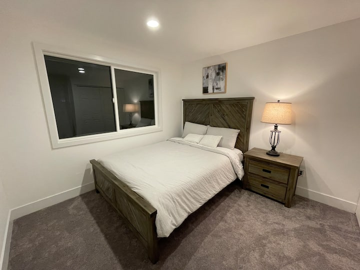 Modern Private Bed & Bath near Microsoft