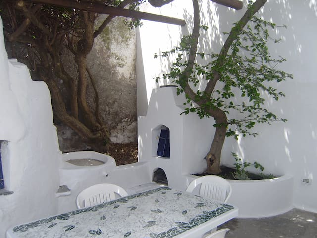 CASA BOMPAIRE - Casa strombolana tradizionale - Stromboli - House