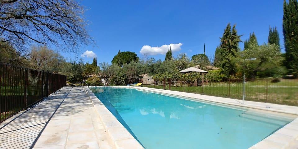 Mazet au coeur de la Drôme  avec piscine chauffée