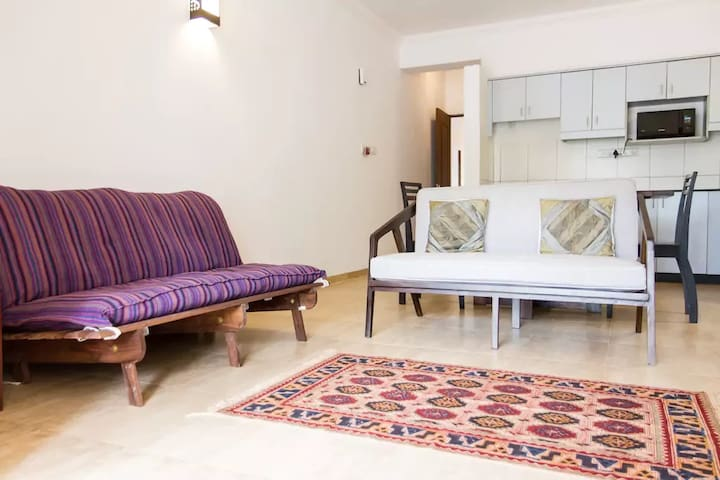 46) Serviced Apartment Sleeps 2 to 4 people Arpora