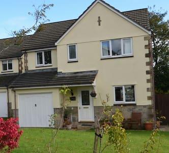 Tavistock - Central Detached Home near Dartmoor