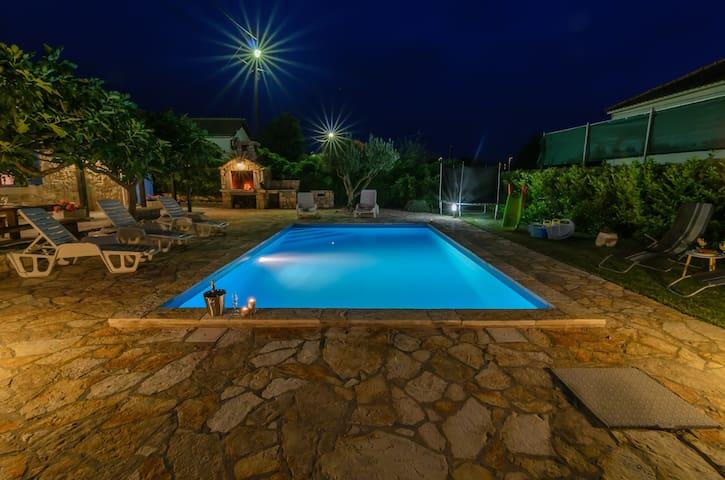 Pool house Jukic
