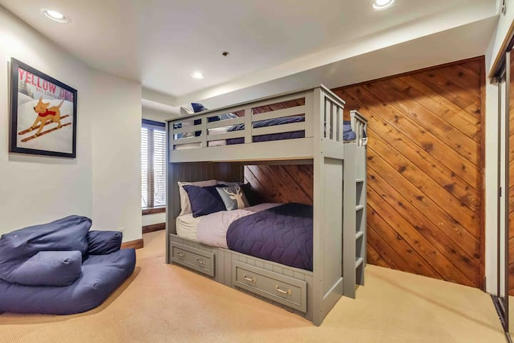 Full over Full bunk room perfect for kids of all ages!