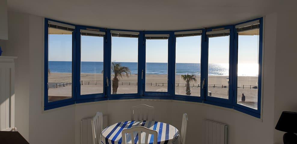 Studio avec vue panoramique sur la Mer