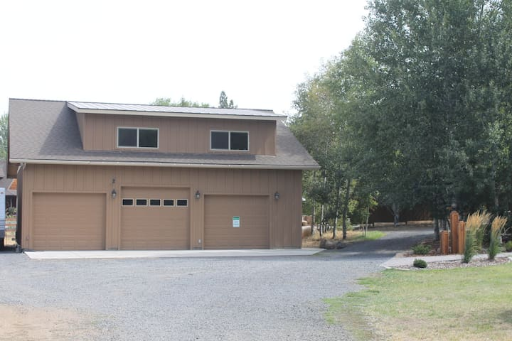 Country Apartment, Tumalo 2BR