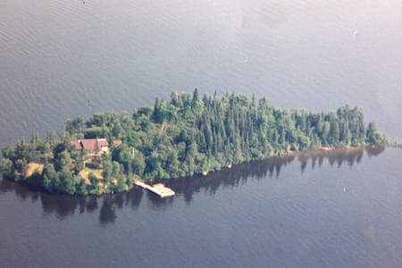 Large Cabin on Private Island LOTW - Kenora