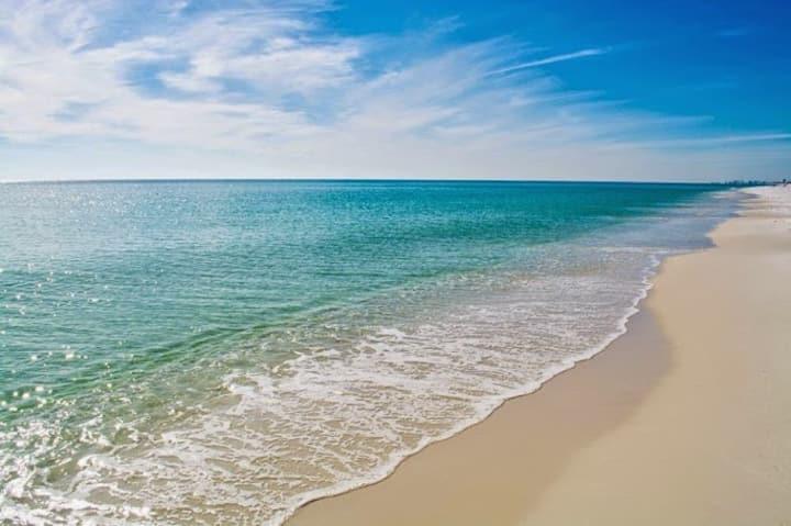 Hidden Beach !!  2 Pools !!!