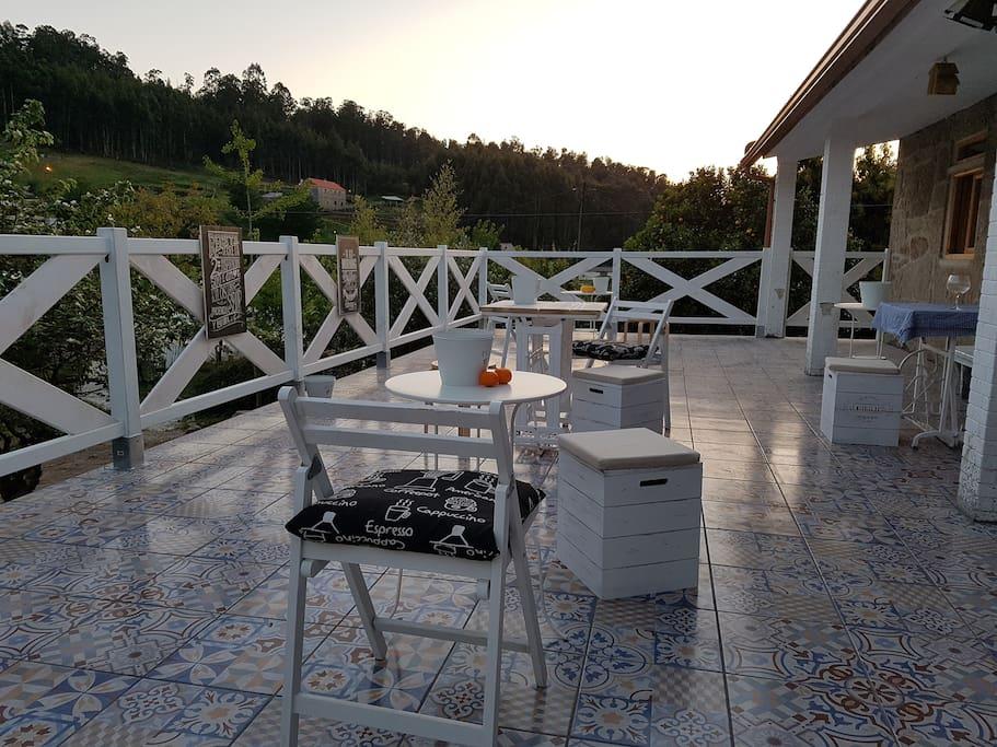 La terraza con vistas al jardín