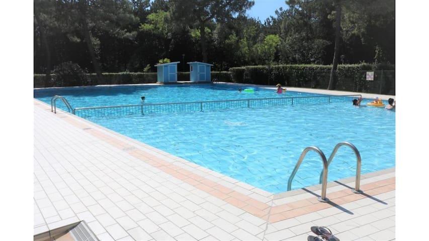 Trilocale ristrutturato in residence con piscina
