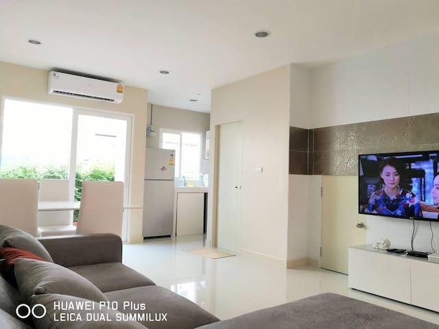 NEW!!! Luxury 2BR Near Airport - Bangkok - Rumah