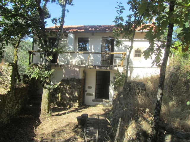 3 Bedroom Country House with Private River - Castanheira de Pêra - Hus