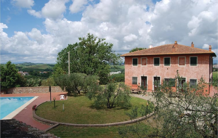 Holiday apartment with 2 bedrooms on 60 m² in Gambassi Terme (FI)