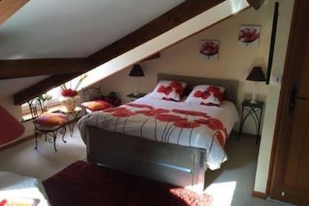 Grande chambre rouge