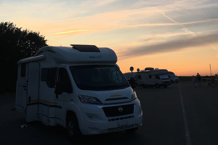 Spaceous camper car for discovery and remote work