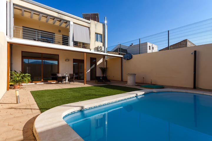 House for two people with private pool