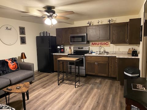 One of the only rentals in the heart of downtown!!
