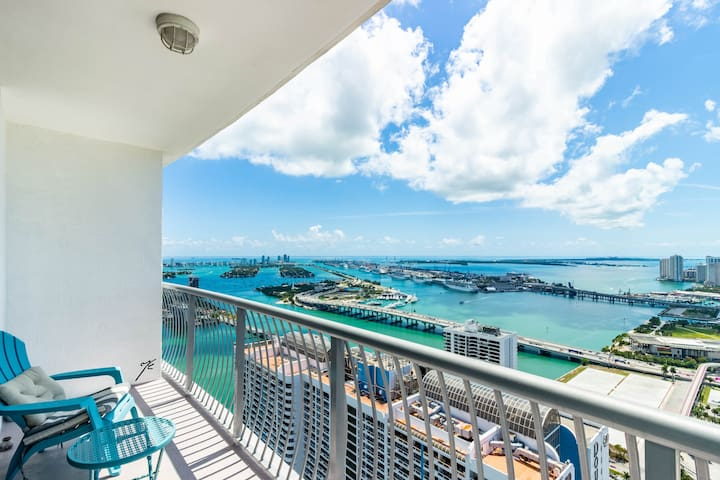 Miami Breathtaking View Penthouse Studio Apartment