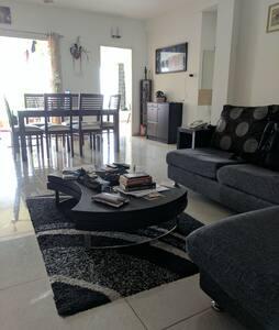 Contemporary apartment in Chennai - Chennai - Byt