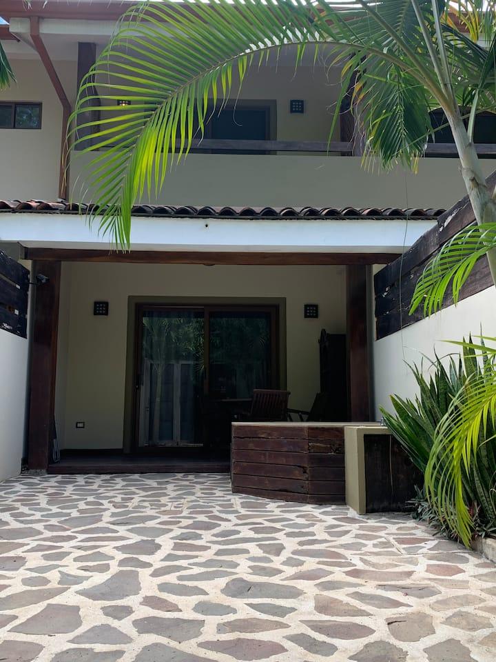 2 Bedroom House 150mts to Beach Downtown Tamarindo