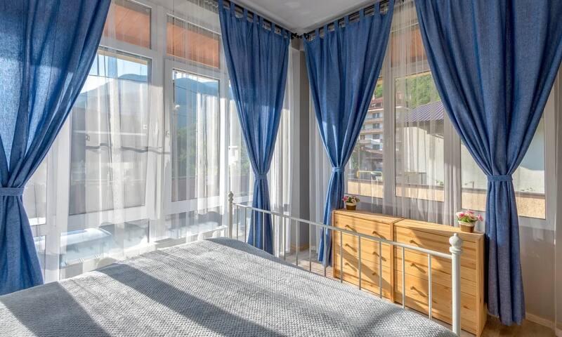 Апартаменты в центре Горки город