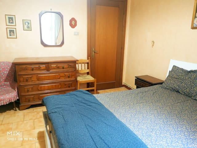 Peaceful place with double bed at Principe