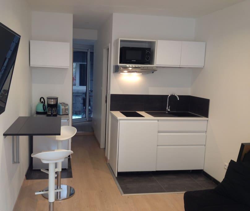 hyper centre parking et mini cour priv e appartements louer rouen normandie france. Black Bedroom Furniture Sets. Home Design Ideas