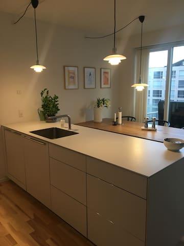 Lys og rummelig lejlighed i Ørestad