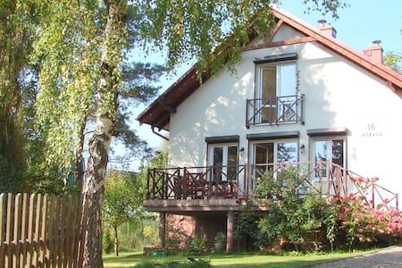Dom nad jeziorem Lewinko Kaszuby - Pobłocie