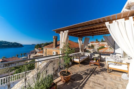 Cavtat  5 bedroom pool villa  near Dubrovnik
