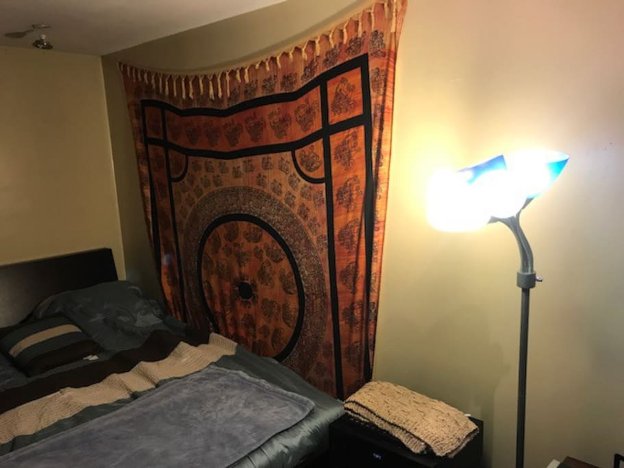 Includes tapestry and hi-fi system