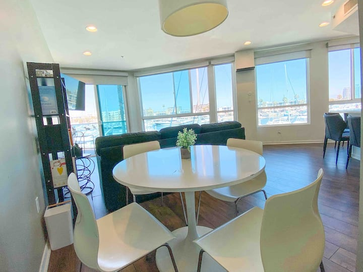 Panoramic OceanFront Experience with Marina Views