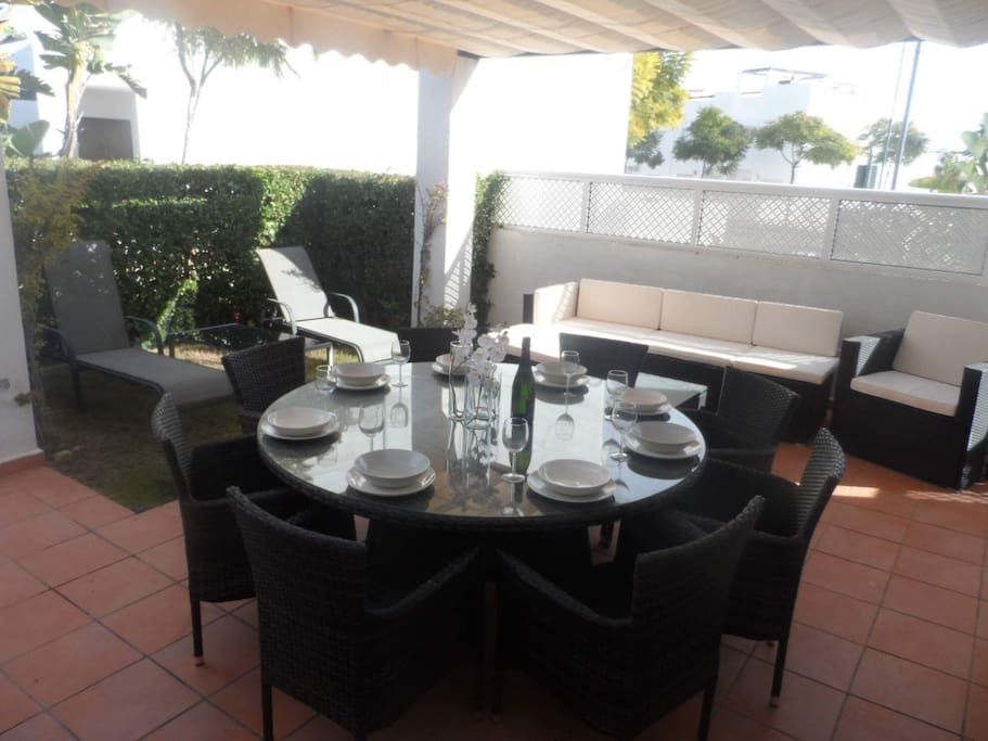 Brand new 8 seater table, sofa area and sun-loungers are perfect for the Al fresco breakfast, lunch or dinner.
