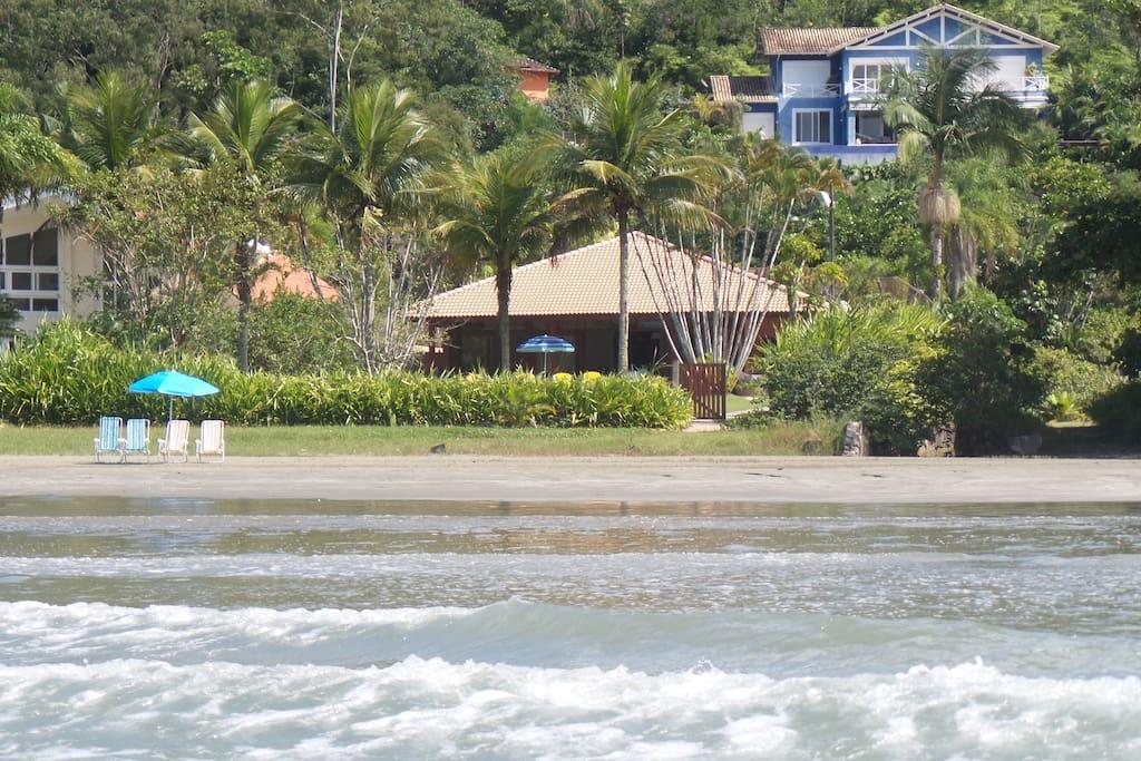 Praia Dura em Ubatuba Condomínio com segurança e controle de pernilongos