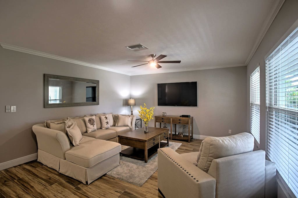 This home offers unbeatable, cozy accommodation to truly relax and unwind during your stay.