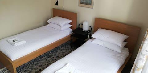 Private Twin Room Ensuite  - Alba Hostel Glasgow